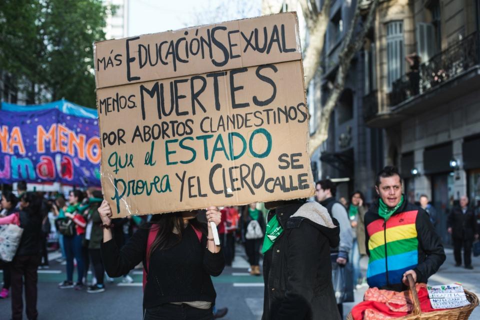 Nutrida marcha en Resistencia a favor del aborto legal