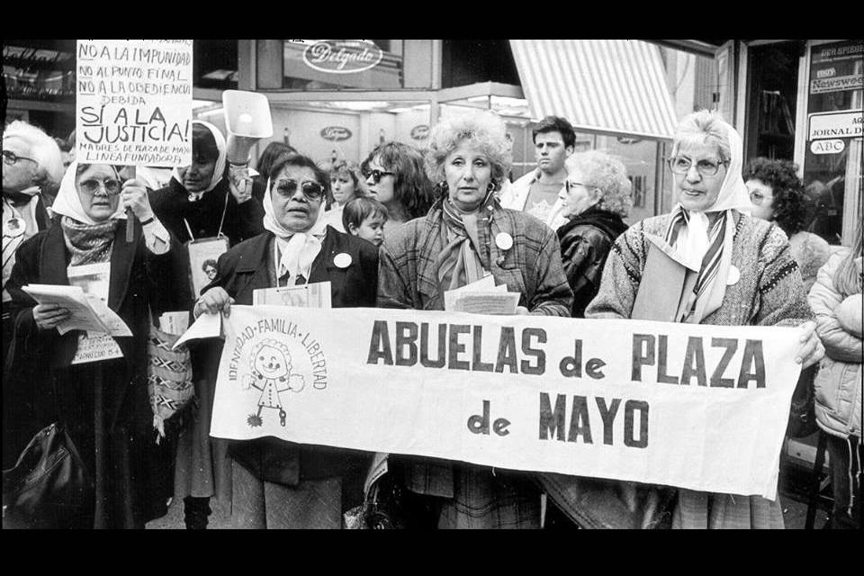 Los últimos 5 nietos recuperados por Abuelas de Plaza de Mayo